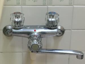 2ハンドル混合水栓の場合