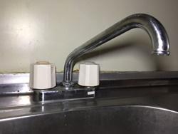 単水栓、混合水栓のスパウト根元からの水漏れ