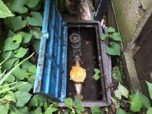 屋外の元栓