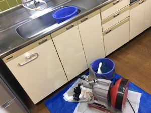 高圧洗浄機を使用して管内清掃
