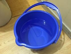 トイレつまりをお湯を流して直す方法