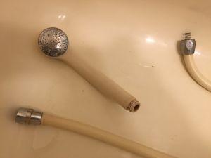 シャワーホースからの水漏れ