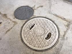 屋外の下水マスを確認する 集合住宅の場合